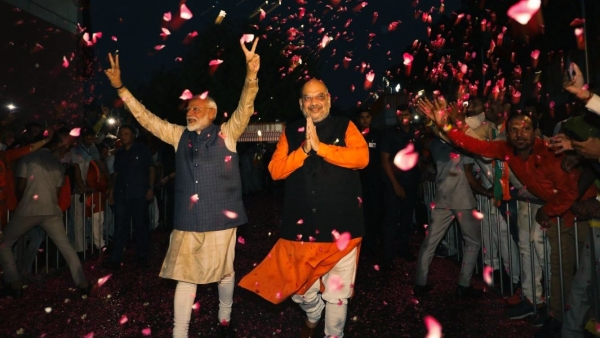 PM Modi and BJP President Amit Shah arrive at BJP HQ after massive win on Thursday, 23 May.