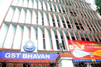 ALERT: SC dismisses pleas challenging arrest in GST evasion cases