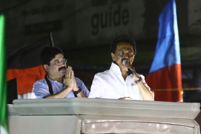 DMK leads in Tamil Nadu's 20 Lok Sabha seats