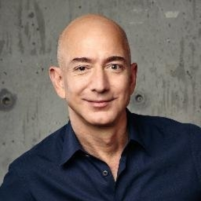 Woman asks Amazon CEO to return product in meeting