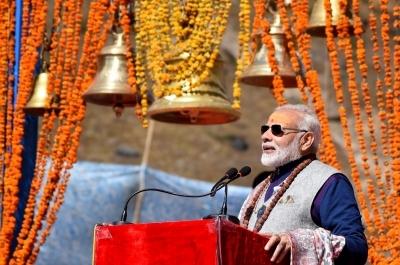 Modi in Kedarnath, to visit Badrinath on Sunday