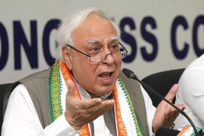 Kejriwal tried to be 'over smart': Sibal on failed alliance