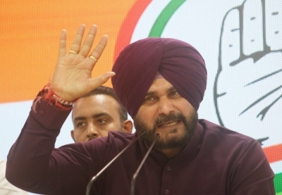 Sidhu damaging Congress with ill-timed comments: Punjab CM