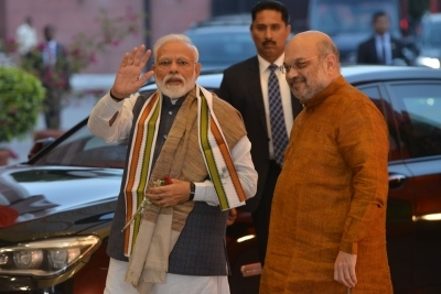 Deal with complaints against PM, Shah by May 6: SC