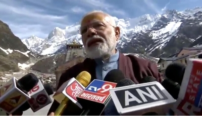 Modi offers prayers at Kedarnath