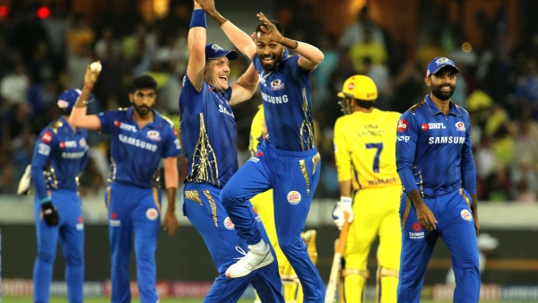 Mumbai Indians players celebrate the run out that sent MS Dhoni back to the dressing room on 2.