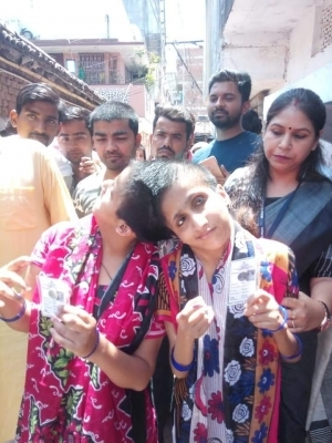 Conjoined Patna twins vote separately, EC hails