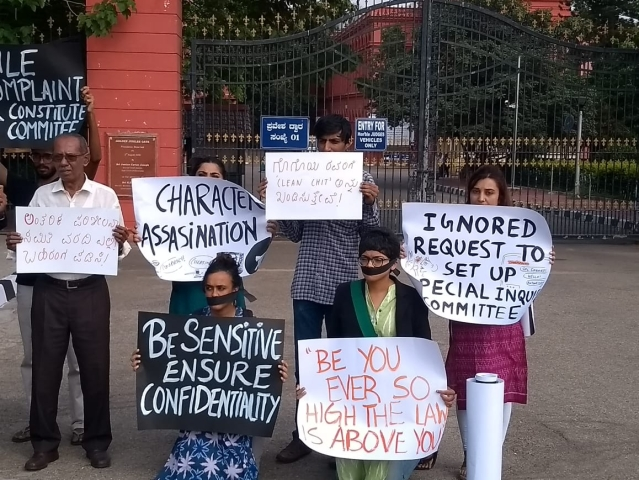 Protest against SC handling of sexual allegations against Justice Gogoi.