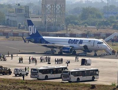 Economic slowdown: April air passenger traffic dives into the red