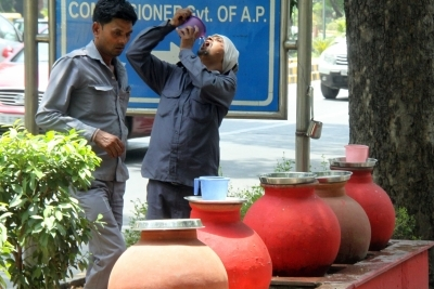Delhi witness hot weather on Friday