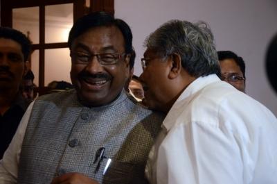 Opposition accuses Maharashtra govt of leaking Budget