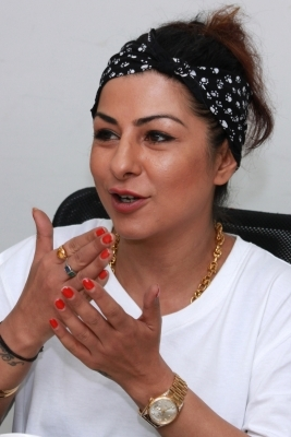 Rapper Hard Kaur booked for posts against Yogi, Bhagwat