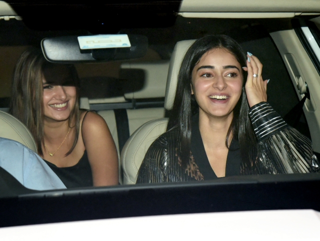Ananya Panday, who made her debut with <i>Student of the Year 2</i>, shares a laugh with Tara Sutaria.