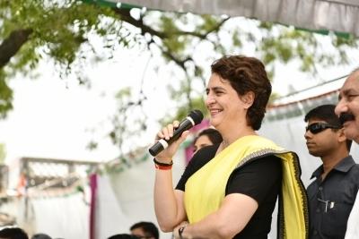 3 Congress secretaries submit LS rout report to Priyanka