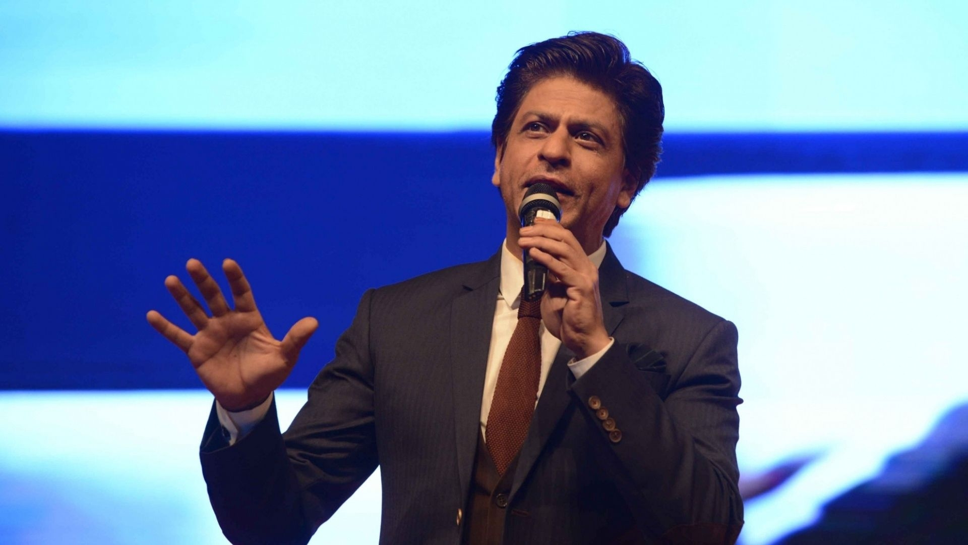 SRK's Take on Nationalism in This 90s Interview Holds Even Today