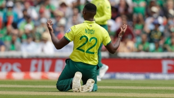 Lungi Ngidi walked off the field with an injury to his left hamstring.