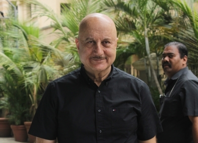 Anupam speaks about cinema, India at Oxford Union