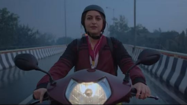 Sonakshi plays the role of a sexologist in the film.