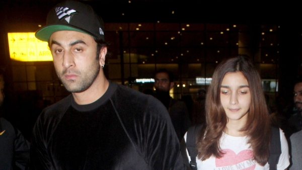 Ranbir Kapoor and Alia Bhatt spotted by Mumbai airport.