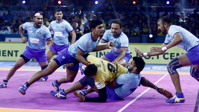 It looked like an evenly matched contest in the first 10 minutes as Telugu Titans led 7-6.