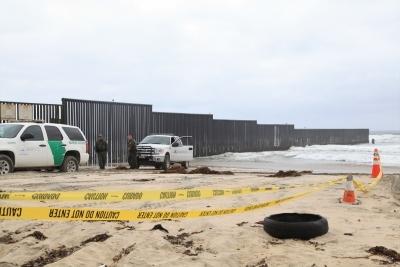 Appeals court blocks Trump's emergency border-wall spending