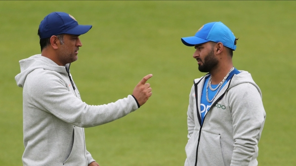 MS Dhoni has been asked by the management to not retire while the team grooms Rishabh Pant.