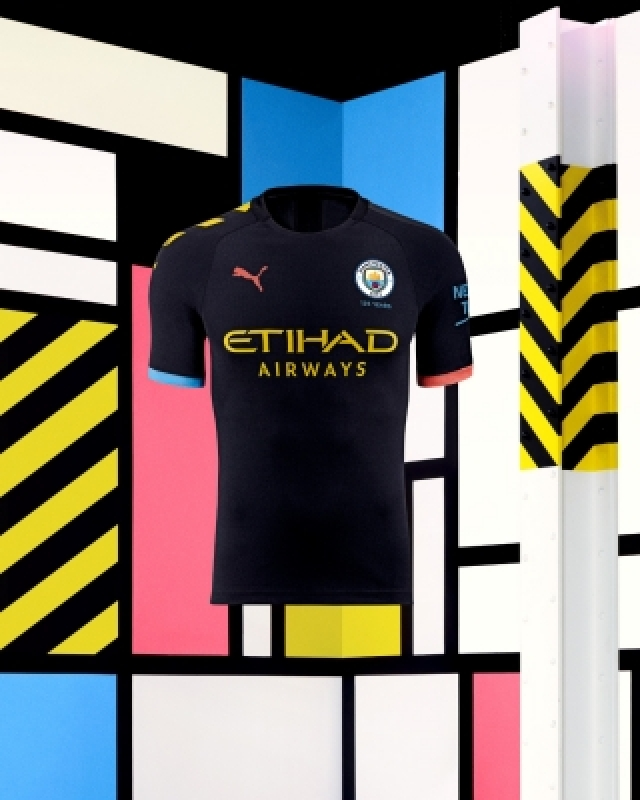 PUMA's Man City kits pay tribute to Manchester's heritage