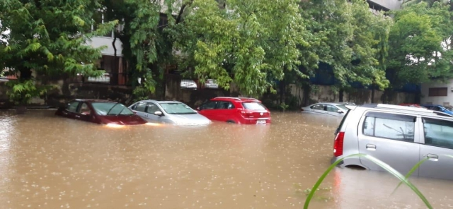Cars submerged at Bandra east, Kalanagar area.