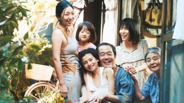 A still from <i>Shoplifters</i>.