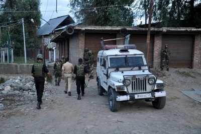 NC leader's police guard shot dead by militants