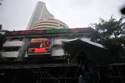 Sensex logs heaviest fall in 7 months as Budget fails to deliver