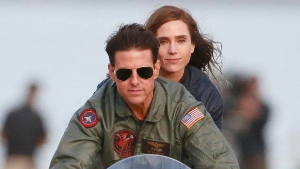 Tom Cruise and Jennifer Connelly in Top Gun: Maverick.