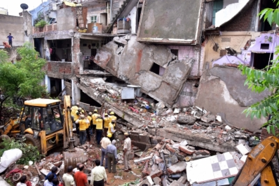 Building collapse in outer delhi, 18 years old girl died.