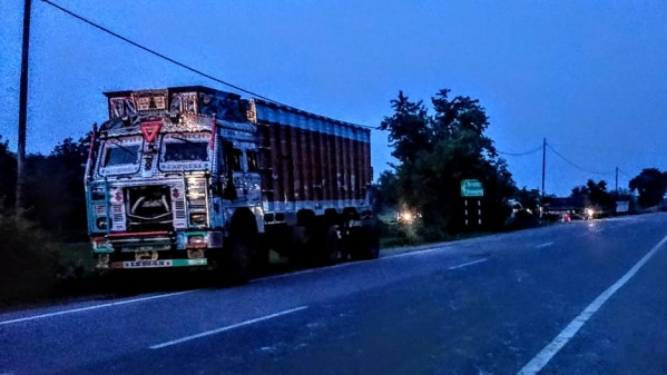 The truck continues to be at the spot of the collision in Rae Bareilly, UP. The blackened number plate is visible too.