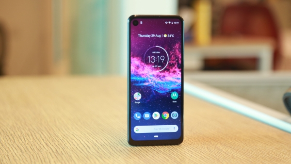 Motorola One Action Review: Adds More Stability to Video & Photos