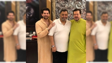 Rishi Kapoor celebrates Ganpati with Neil Nitin Mukesh and his father Nitin Mukesh.