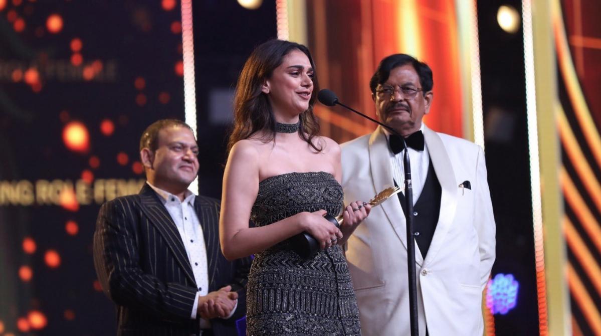 Aditi Rao Hydari wins for <i>Padmaavat.</i>
