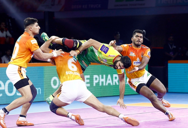 Pardeep Narwal was the star player for three-time champions Patna Pirates as they beat home team Puneri Paltan 55-33.