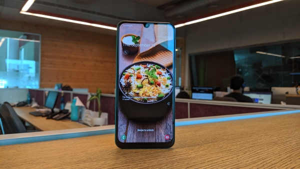 The Samsung M30s comes with a 6,000mAh battery.
