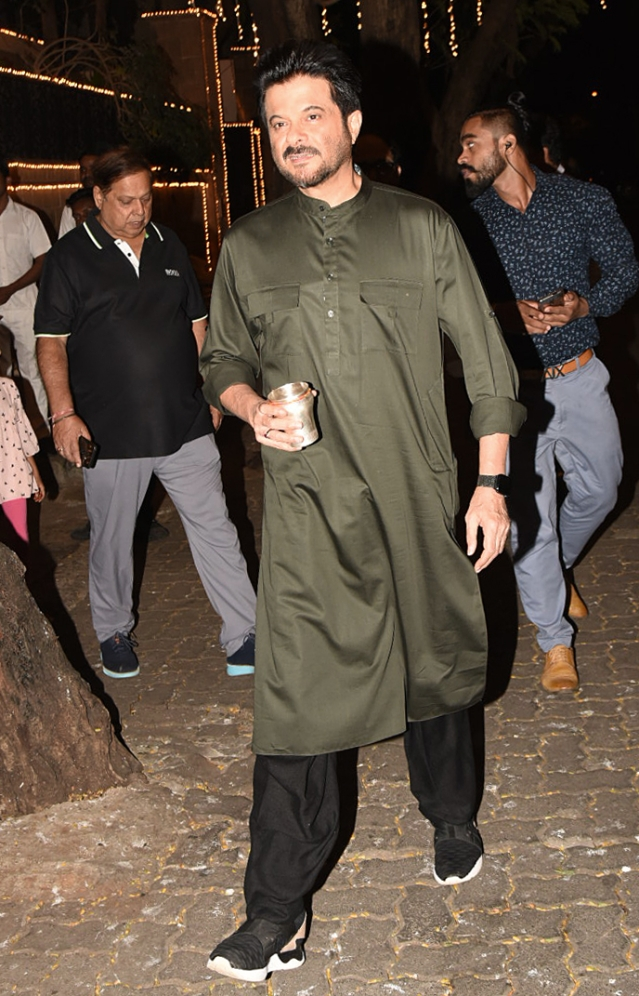 Anil Kapoor is dressed in traditional outfit.