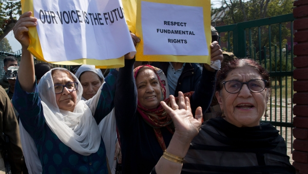 The police on Tuesday detained half a dozen women activists including the sister and daughter of former chief minister Farooq Abdullah during a protest.