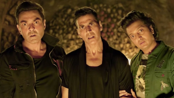 Stay at home with family this Diwali than heading to the theatres to watch <i>Housefull 4</i>.&nbsp;