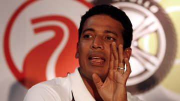Mahesh Bhupathi seems to be stuck in a battle with the AITA over the captaincy of the upcoming Davis Cup.