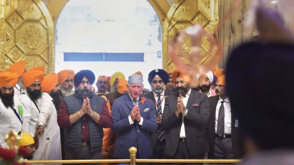 Prince Charles Prays, Makes Rotis at Bangla Sahib Gurudwara