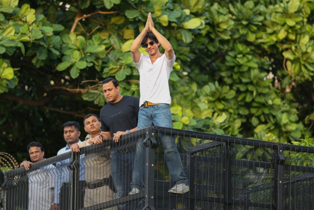 Shahrukh Khan waves at his fans on the occasion of his birthday from his residence in Mumbai.