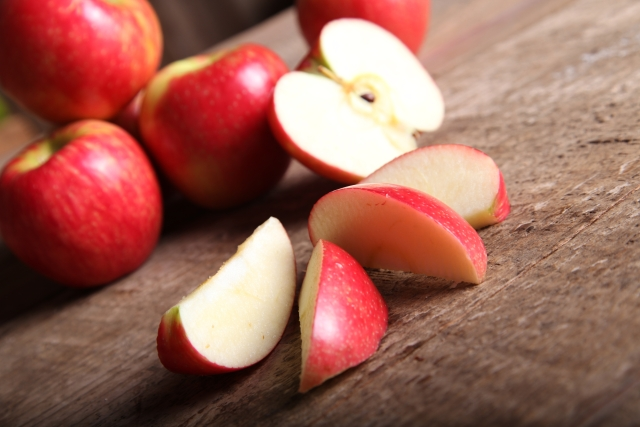 Apples are rich in quercetin which boosts circulation and improves endurance.