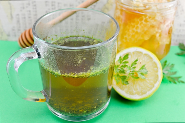 Parsley tea with lemon and honey.