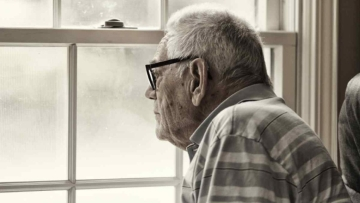 Older adults with age-related hearing loss are more likely to have greater risk of depressive symptoms, finds a study.
