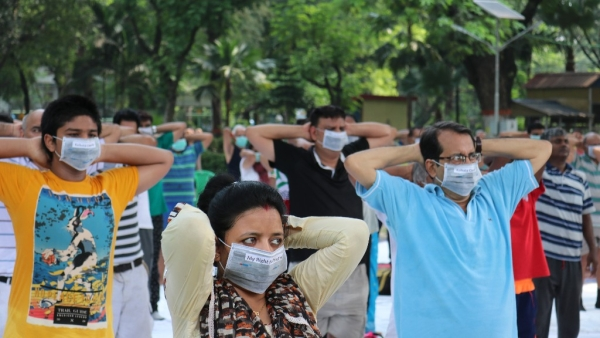 Mask Yoga: Not a New Trend, But a Protest Against Air Pollution