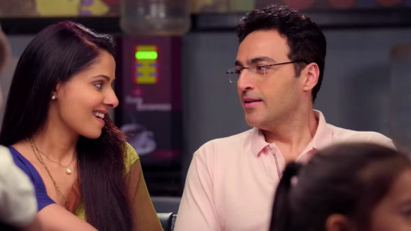 Zindagi Ke Crossroads is the latest Sony that in it's first episode debates whether an abnormal pregnancy should be aborted.